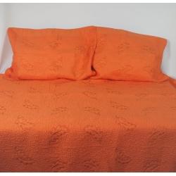 Narzuta pomarańczowa ze wzorem liście